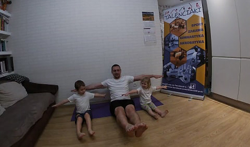 Kolejny trening online dla całych rodzin. Bawcie się dobrze i ćwiczcie!